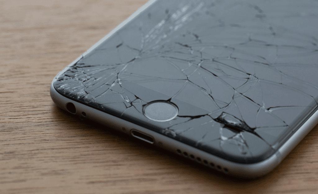 écran iPhone 7 brisé