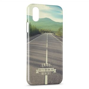 Coque iPhone X & XS Enjoy Every Moment Road