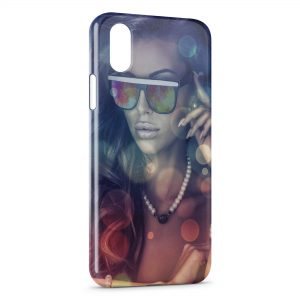 Coque iPhone X & XS Girl & Glasses