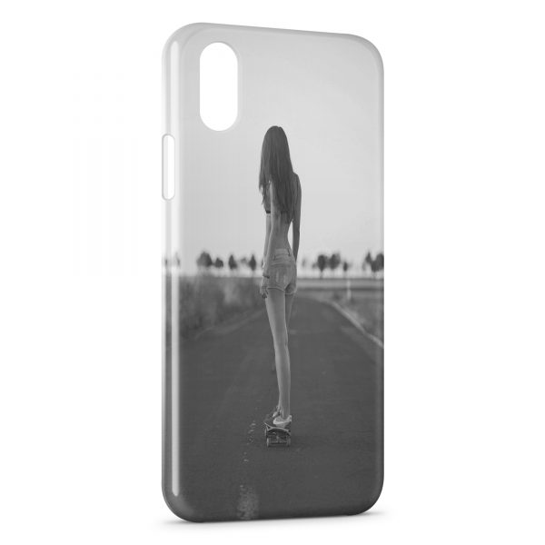 Coque iPhone X & XS Girl Sexy Skater 1