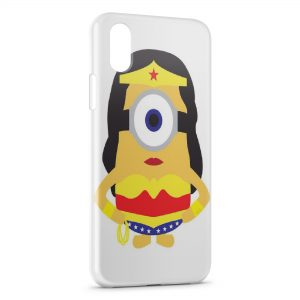 Coque iPhone X & XS Minion Superwoman