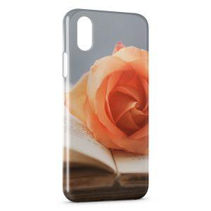 Coque iPhone X & XS Rose sur livre