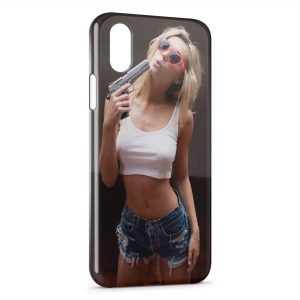 Coque iPhone X & XS Sexy Girl & Gun 2