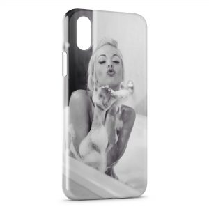 Coque iPhone X & XS Sexy Girl Mousse Bain