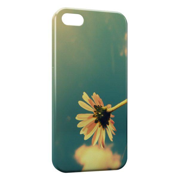 Coque iPhone 4 4S Fleurs 5 600x600