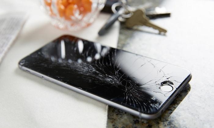 iPhone 7 avec écran cassé